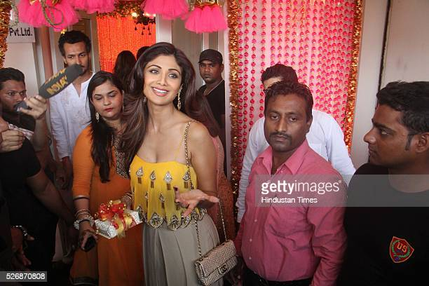 Mehndi Ceremony Of Shilpa Shetty : India shilpa singh stock photos and pictures getty images