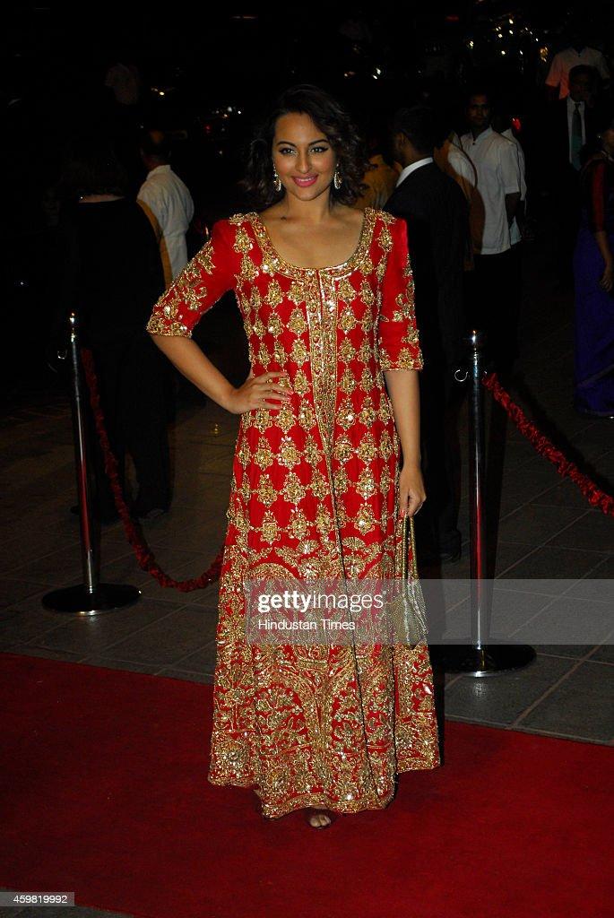 arpita khan s marriage receptionの写真およびイメージ ゲッティ