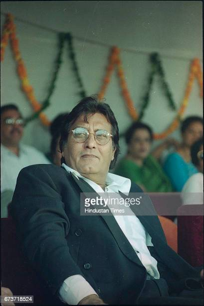 Bollywood actor Vinod Khanna at DPS School on October 23 1999 in New Delhi India Veteran actor and sitting BJP MP Vinod Khanna passed away at the age...