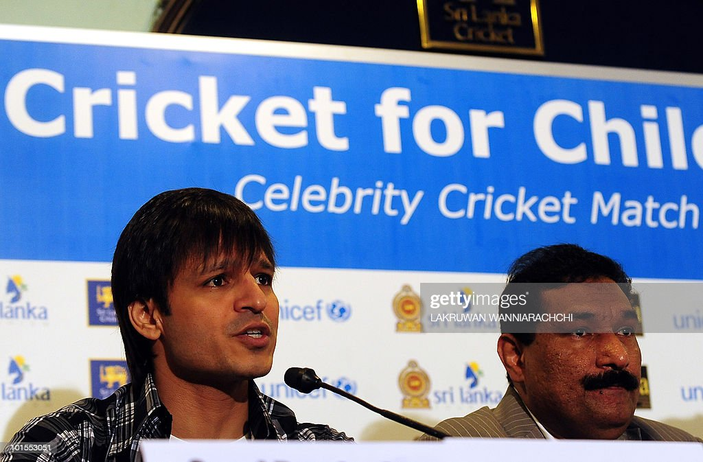 Bollywood actor Vivek Oberoi (L) and The International Indian Film Academy (IIFA) director Sabbas Joseph (R) attend a press conference for the International Indian Film Academy (IIFA) foundation celebrity cricket match in Colombo on June 2, 2010. Bollywood goes to Sri Lanka later this week for its glitzy annual awards ceremony, but the decision to hold the event in the capital Colombo has sparked a backlash from minority Tamils in India. AFP PHOTO/ Lakruwan WANNIARACHCHI.