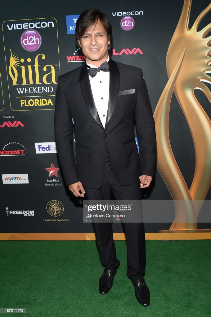 Bollywood actor Vivek Oberoi is interviewed on the green carpet at the IIFA Awards at Raymond James Stadium on April 26, 2014 in Tampa, Florida.