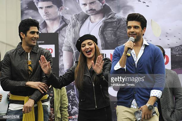 Bollywood actors Esha Deol and Karan Kundra along with Boxer Vijender Singh who are judges of MTV Roadies X2 visited Institute of Management Studies...
