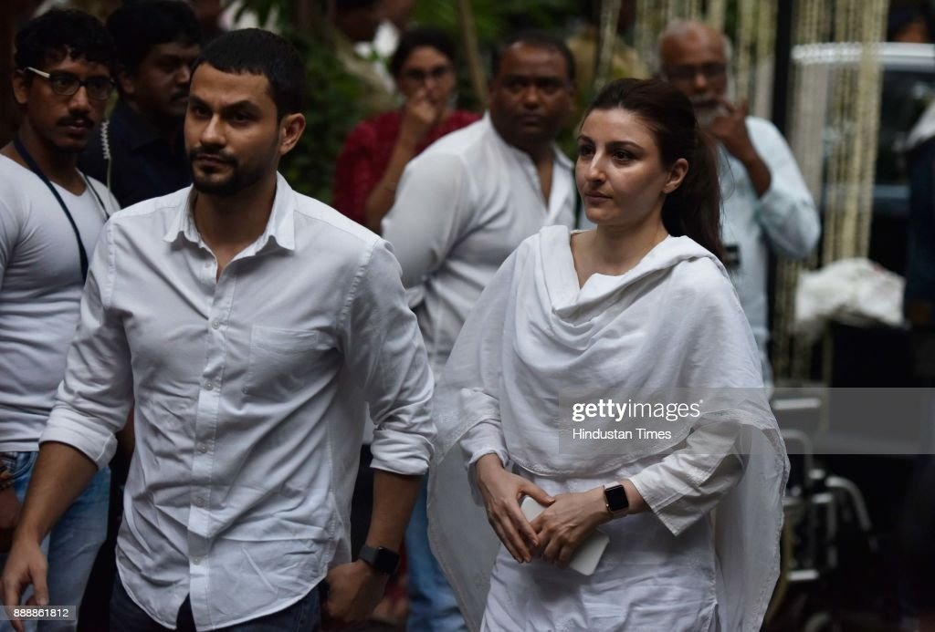 Bollywood Celebs Attend Condolence Meeting Of Late Actor Shashi Kapoor : News Photo