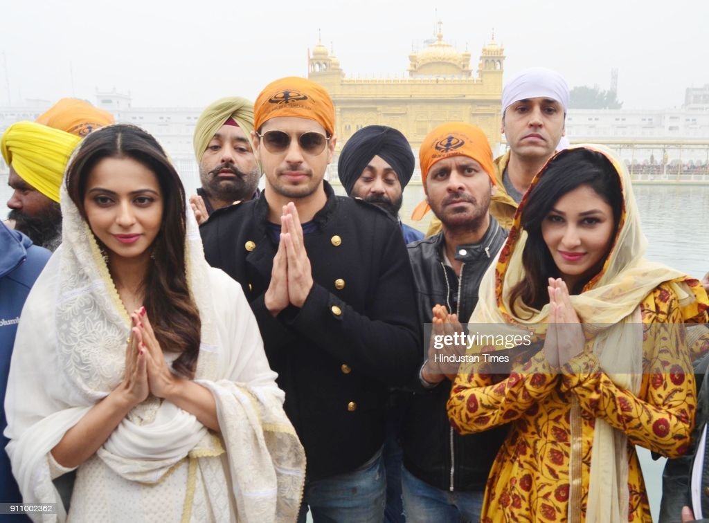 Bollywood actors Rakul Preet Singh Sidharth Malhotra Manoj Bajpayee and Pooja Chopra paying obeisance at Golden Temple at they visit the city for the.