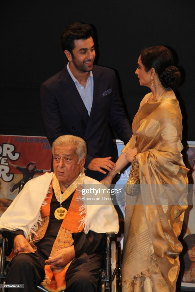 Bollywood actors Shashi Kapoor Ranbir Kapoor and Rekha after his receiving Dadasaheb Phalke award at ceremony held in Prithvi Theatre on May 10 In...
