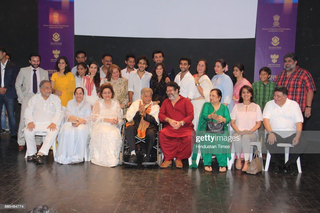 Bollywood actors Shashi Kapoor Rishi Kapoor Ranbir Kapoor with family members and Rekha during the Dadasaheb Phalke award ceremony held in Prithvi...