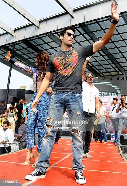 Bollywood actors Sidharth Malhotra Akshay Kumar and Jacqueline Fernandez during the promotional event of their soontorelease movie 'Brothers' at...