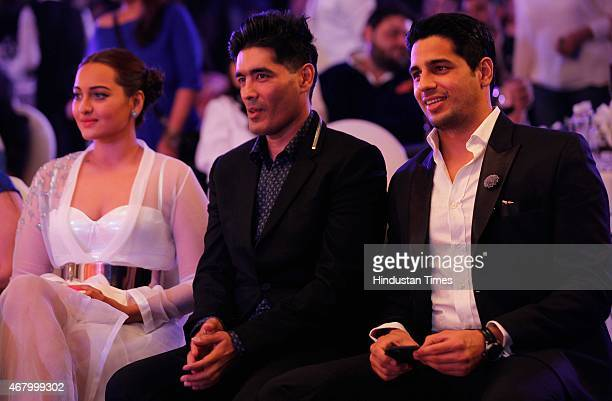 Bollywood actors Sonakshi Sinha Sidharth Malhotra and fashion designer Manish Malhotra during the Hindustan Times Mumbai's Most Stylish Awards 2015...