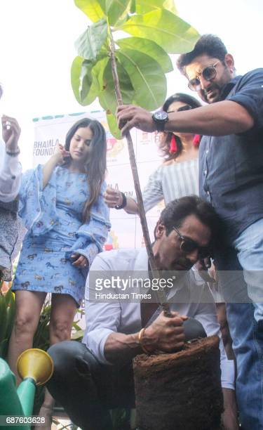 Bollywood actors Sunny Leone Arjun Rampal and Arshad Warsi during the grand tree plantation drive where over 500 plants would be planted at Joggers...