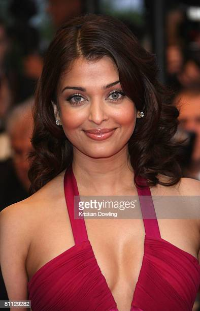 Bollywood actress Aishwarya Rai arrives at the premiere for the film 'Vicky Cristina Barcelona' at the Palais des Festivals during the 61st...