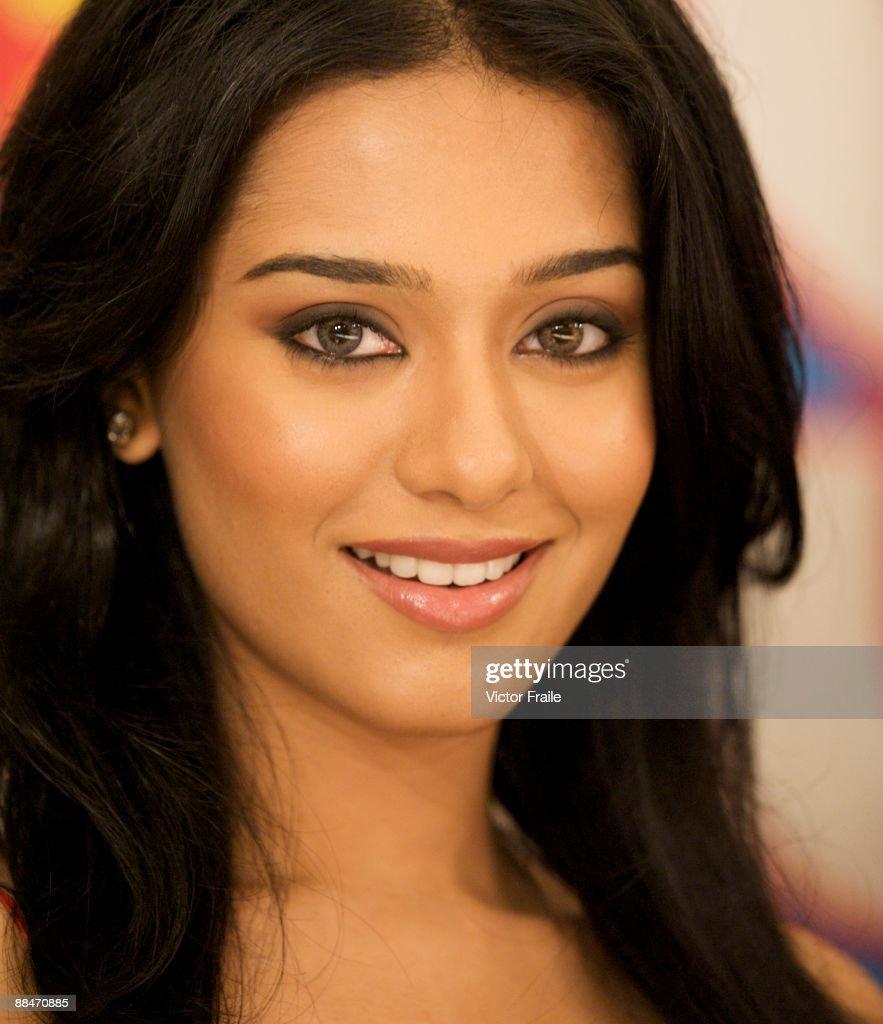 bollywood actress amrita rao looks into the camera during