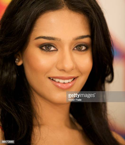 Bollywood actress Amrita Rao looks into the camera during the 2009 International Indian Film Academy Awards at the Venetian MacaoHotelResort on June...