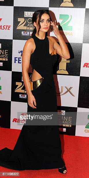 Bollywood actress Amy Jackson attends the 'Zee Cine Awards' ceremony in Mumbai on February 20 2016 AFP PHOTO / AFP / STR