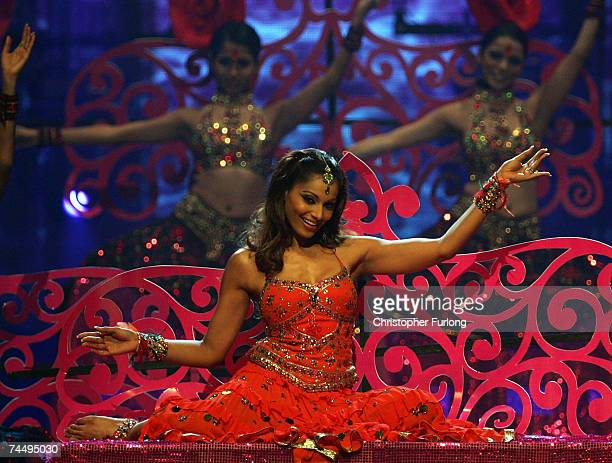 Bollywood actress Bipasha Basu performs on stage at the International Indian Film Academy Awards at the Sheffield Hallam Arena on June 9 2007 in...