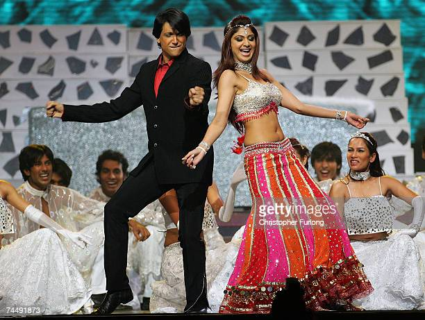 Bollywood actress Shilpa Shetty Indian choreographer Davar perform on stage at the International Indian Film Academy Awards at the Sheffield Hallam...