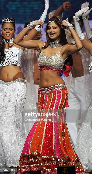 Bollywood actress Shilpa Shetty performs on stage at the International Indian Film Academy Awards at the Sheffield Hallam Arena on June 9 2007 in...
