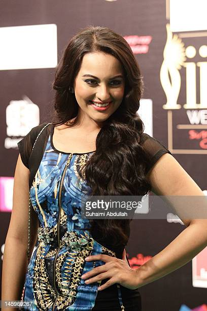 Bollywood actress Sonakshi Sinha poses on the green carpet during the IIFA Rocks Green Carpet on day two of the 2012 International India Film Academy...