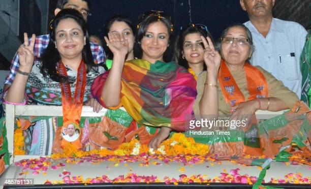 Bollywood Divya Dutta during election campaign road in support BJP Lok Sabha Candidate from Amritsar Arun Jaitley on April 20 2014 in Amritsar India...
