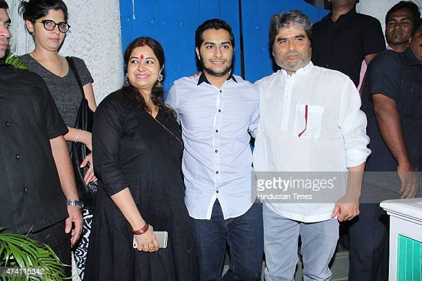 Bollywood filmmaker Vishal Bhardwaj with wife Rekha and son Aasman at the party hosted by Deepika padukone for the success of film Piku on May 18...