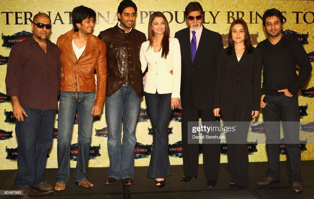 Bollywood stars Vishal Dadlani Riteish Deshmukh Abhishek Bachchan Aishwarya Rai Bachchan Amitabh Bachchan Preity Zinta and Shekhar Ravjiani pose for..