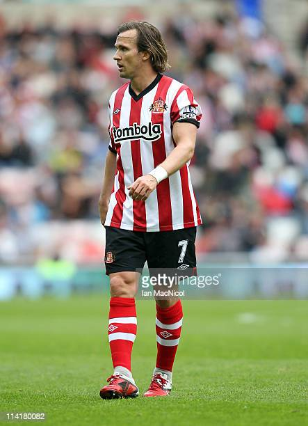 Bolo Zenden of Sunderland during the Barclays Premier League match between Sunderland and Wolverhampton Wanderers at The Stadium of Light on May 14...