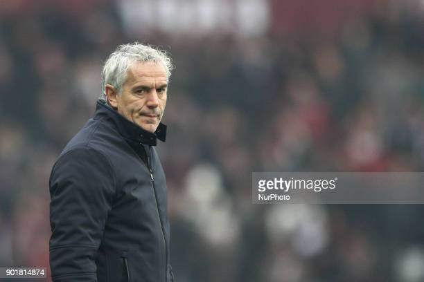 Bologna coach Roberto Donadoni during the Serie A football match n20 TORINO BOLOGNA on at the Stadio Olimpico Grande Torino in Turin Italy