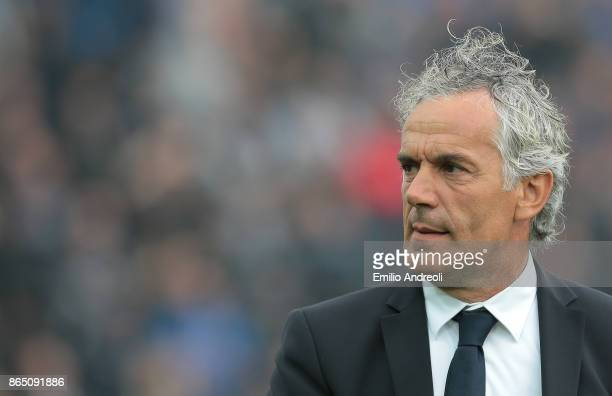 Bologna FC coach Roberto Donadoni looks on before the Serie A match between Atalanta BC and Bologna FC at Stadio Atleti Azzurri d'Italia on October...