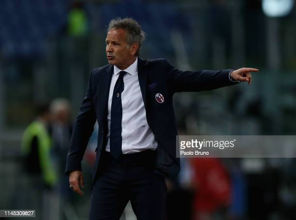 Bologna FC head coach Sinisa Mihajlovic gestures during the Serie A match between SS Lazio and Bologna FC at Stadio Olimpico on May 20 2019 in Rome...