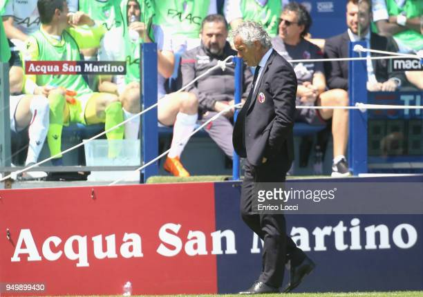 Bologna's coach Roberto Donadoni looks on during the serie A match between Cagliari Calcio and Bologna FC at Stadio Sant'Elia on April 22 2018 in...