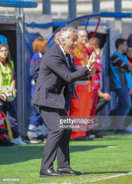 STADIUM CROTONE CALABRIA ITALY Bologna's Italian coach Roberto Donadoni gestures during the Italian Serie A football match FC Crotone vs Bologna Fc...