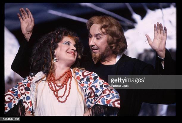 bolshoi opera performing christmas eve - robbie jack stock-fotos und bilder