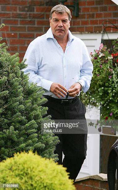 Bolton Wanderers' manager Sam Allardyce leaves his home in Bolton northwestern Britain 20 September 2006 the morning after a BBC tevelvision...