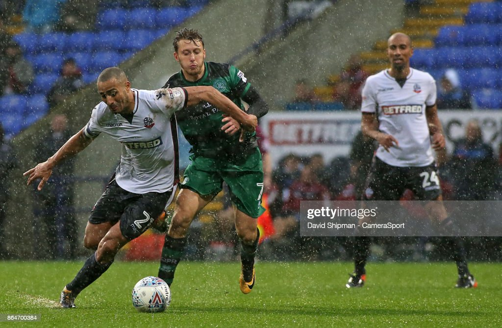 Bolton Wanderers' Darren Pratley gets away from Queens Park Rangers' Luke Freeman during the Sky Bet Championship match between Bolton Wanderers and Queens Park Rangers at Macron Stadium on October 21, 2017 in Bolton, England.
