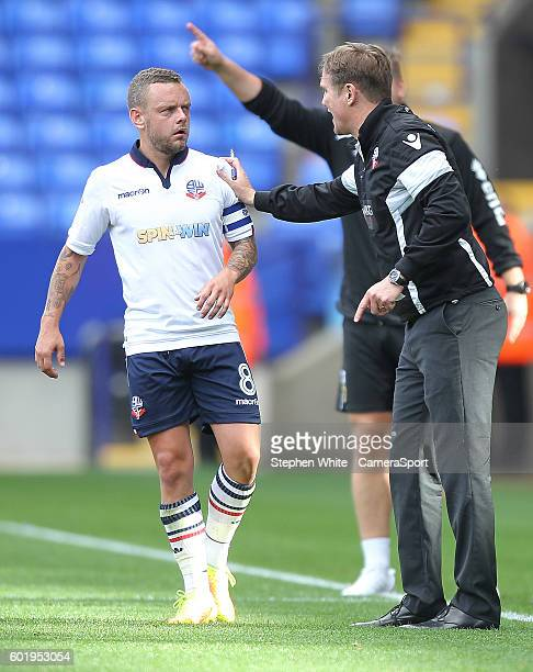 Bolton Wanderers Manager Phil Parkinson instructs Jay Spearing during the Sky Bet League One match between Bolton Wanderers and Milton Keynes Dons at...