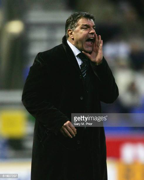 Bolton Wanderers manager Sam Allardyce shouts out orders during the FA Barclays Premiership between Bolton Wanderers and West Browmwich Albion at the...