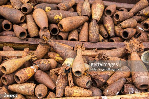 bomb casings dating to the indochina wars - laos fotografías e imágenes de stock