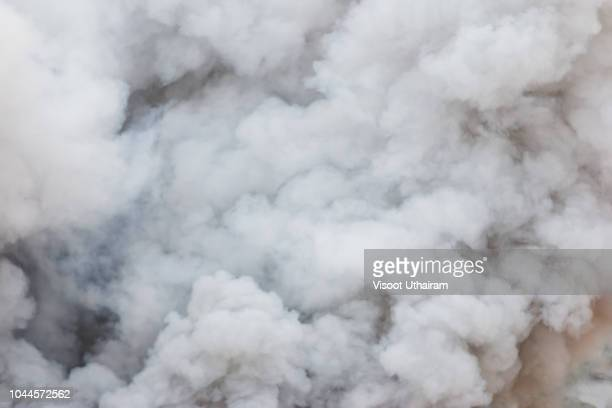 bomb smoke background,smoke caused by explosions - nebel stock-fotos und bilder