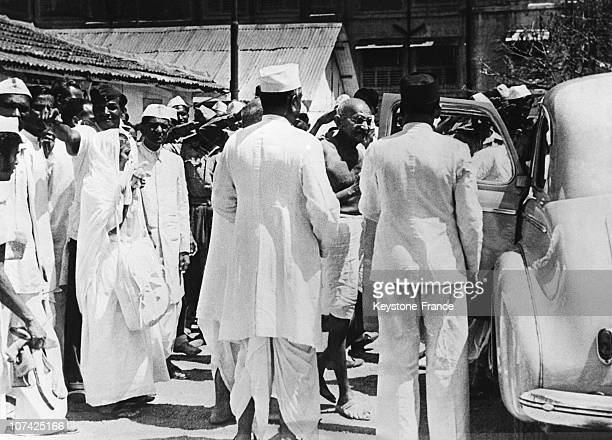 Bombay Mahatma Gandhi Leaving His Harijan Hut To Meet Secretary Of State And The Cabinet Of Members Of The Royal Mission At Asia In India On April...