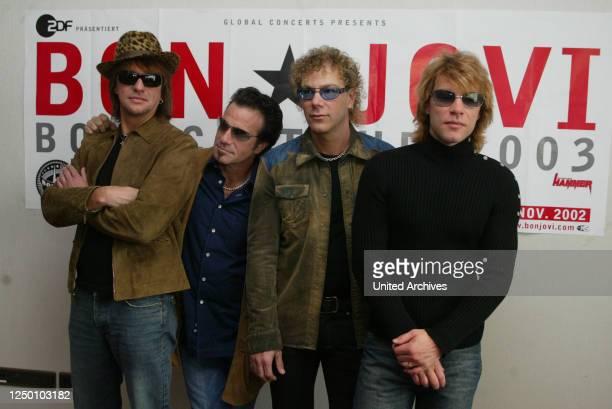 """Bon Jovi, 2002 - Die amerikanische Rockband Bon Jovi promotet ihre bevorstehende """"Bounce Tour"""" im Sommer 2003 im Kölner Hyatt Hotel."""
