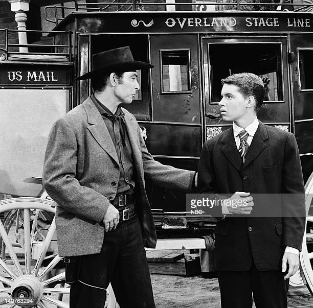 """Bonanza -- """"The Blood Line"""" Episode 15 -- Pictured: Lee Van Cleef as Appling, David Macklin as Todd Grayson -- Photo by: NBC/NBCU Photo Bank"""