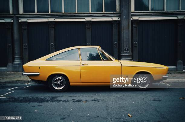 bond equipe 1967-1970 - car stock pictures, royalty-free photos & images