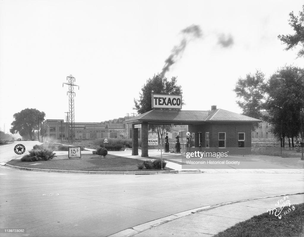 Bondi & Sachtjen Texaco service station, 1462 E Washington