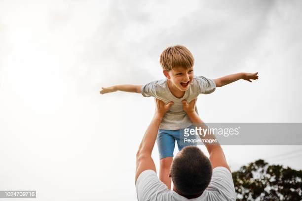 Pegado con su niño