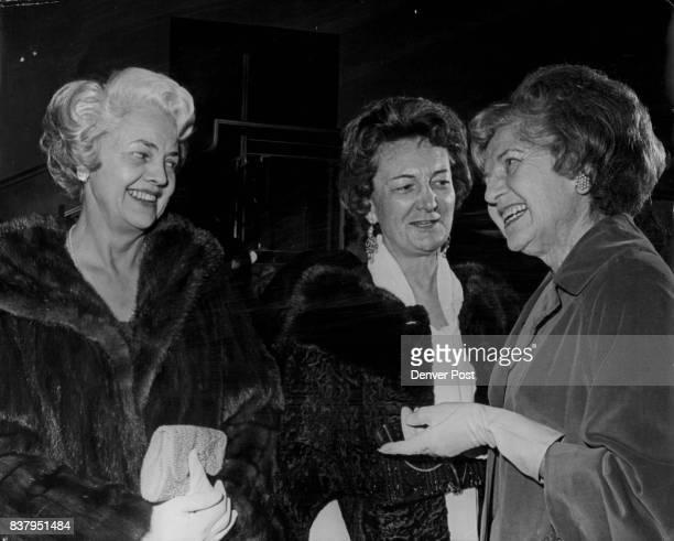 Bonfils Play 'Calculated Risk'Runs Through Tuesday Mrs Clark Gittings left and Mrs Willard Geddes exchange conversation with Mrs Herbert Mueller...