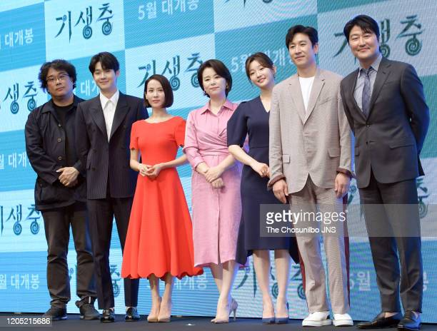 Bong JoonHo Choi WooSik Cho YeoJeong Jang HyeJin Park SoDam Lee SunKyun and Song KangHo attend premiere of Korean Movie 'Parasite' at Westin Chosun...