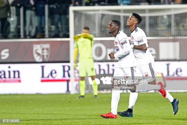 Bongani Zungu of Amiens celebrates scoring his goal during the Ligue 1 match between Metz and Amiens SC at on November 25 2017 in Metz