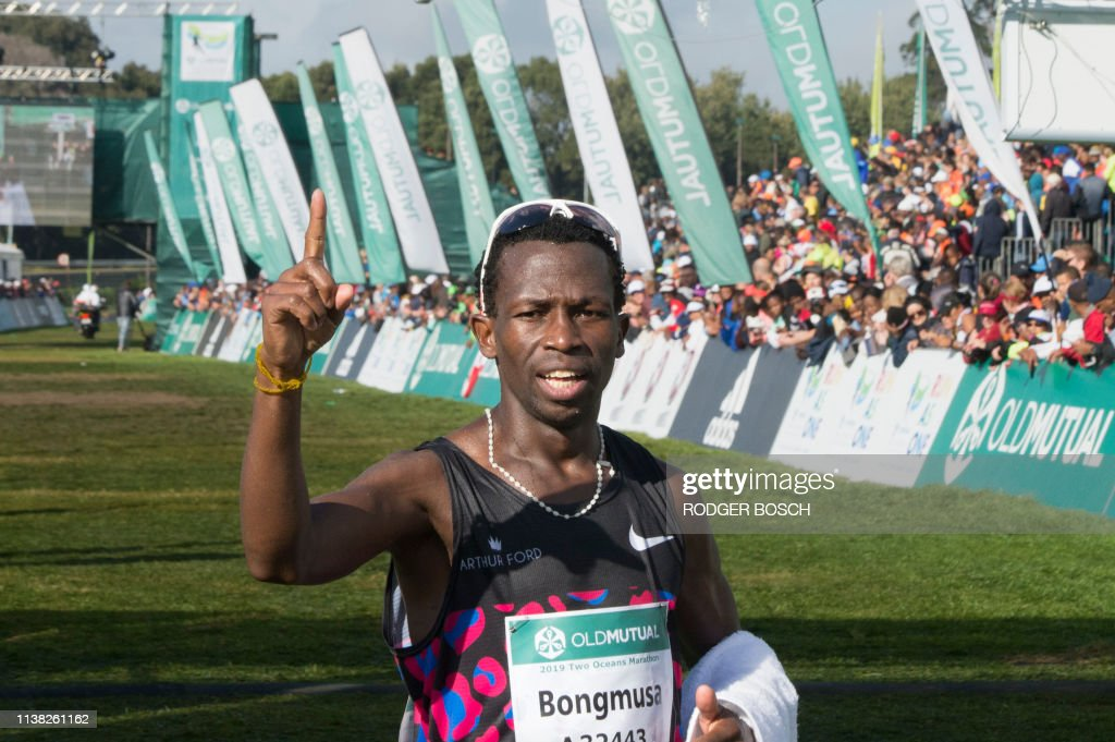 SAFRICA-RUNNING-MARATHON-TWOOCEANS : News Photo