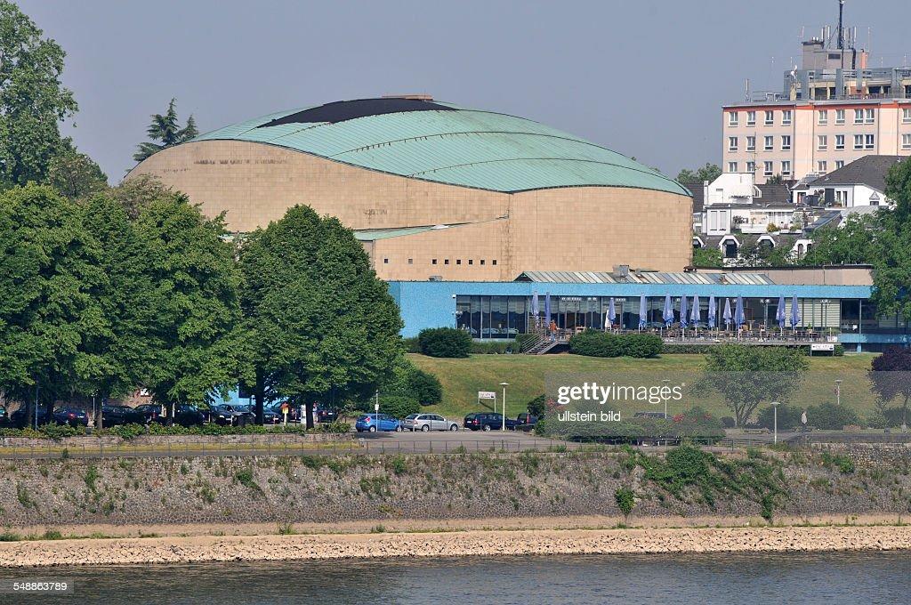 Bonn 20.05.2011: Beethovenhalle Halle Musikhalle Musiksaal Veranstaltungshalle Ansicht außen Außenansicht Gebäude Rhein Fluß : News Photo