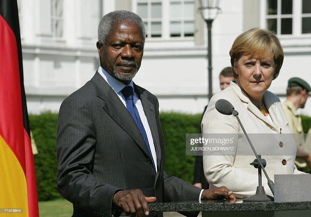 German Chancellor Angela Merkel and UN Secretary General Kofi Annan give a press conference 11 July 2006 in Bonn, western Germany. They attend the opening festivities of a new UN campus in former Western Germany's capital.