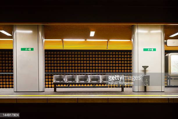 bonn underground - subway platform stock pictures, royalty-free photos & images
